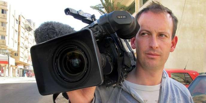Le journaliste Gilles Jacquier a été tué dans un quartier de Homs (Syrie) par un obus de mortier ou une roquette alors qu'il allait sortir d'un immeuble d'où il prenait des photos mercredi 11 janvier 2012.