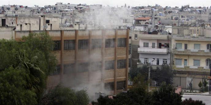 Gilles Jacquier a été tué dans ce quartier d'Homs, mercredi 11 janvier, par un obus de mortier ou une roquette, alors qu'il allait sortir d'un immeuble d'où il prenait des photos.
