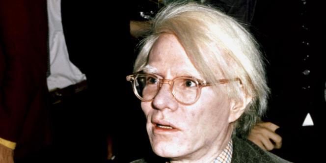 L'artiste Andy Warhol à Londres en novembre 1975.