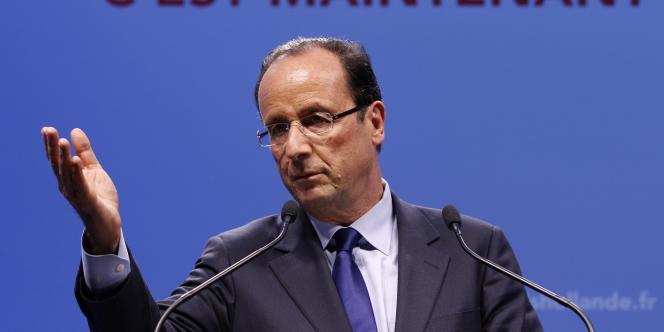 Le candidat du Parti socialiste à l'élection présidentielle, vendredi 12 janvier, à Paris.