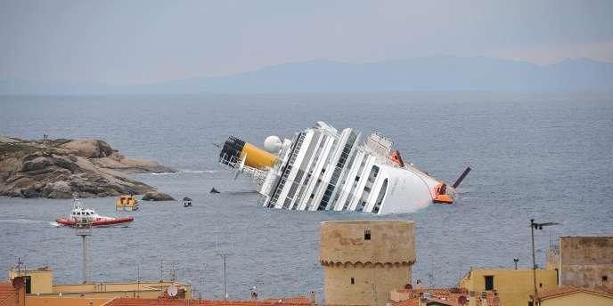 Paul Tourret, directeur de l'Institut supérieur de l'économie maritime, analyse la bataille démesurée livrée par les grands armateurs mondiaux.