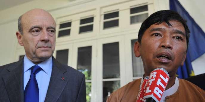 Min Ko Naing à l'ambassade de France à Rangoun, le 15 janvier 2012.