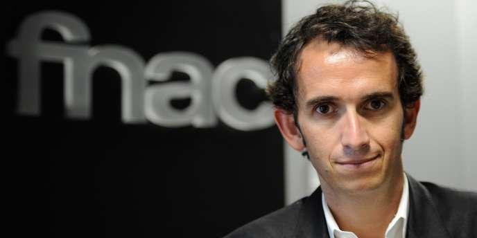 La sanction était attendue, elle n'en est pas moins sévère pour Alexandre Bompard, le PDG de la Fnac. Pour son premier jour de cotation, l'enseigne a dévissé de 13,6 % à la Bourse de Paris, jeudi 20 juin.
