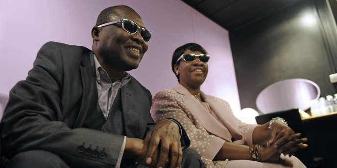 Le duo de musiciens maliens, Amadou et Mariam, à Marseille, le 14 octobre 2011.