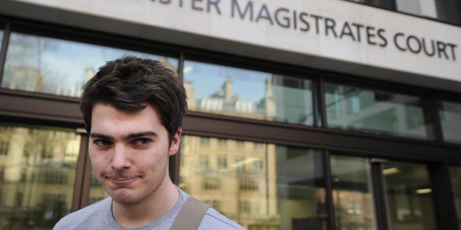 Richard O'Dwyer devant le tribunal de Londres, le 13 janvier.