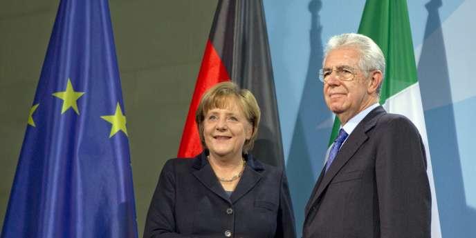 Le premier ministre italien, Mario Monti, et la chancelière allemande, Angela Merkel, à Berlin le 11 janvier.
