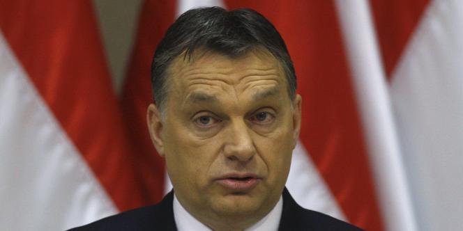 Viktor Orban, le premier ministre hongrois, a fait adopter une série de lois très contestées dans le pays, concernant notamment la vente de tabac - ici, le 16 janvier 2012 lors d'une conférence à Budapest.