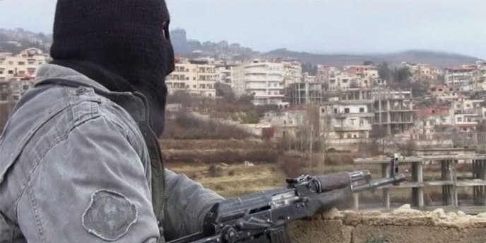 Un membre de l'Armée libre de Syrie, à Zabadani.
