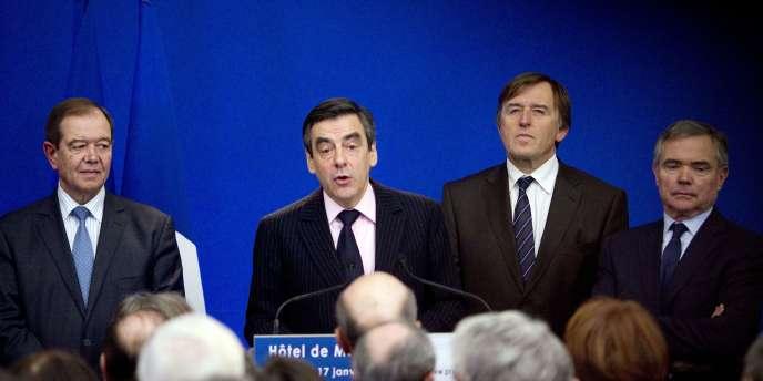 François Fillon devant le groupe UMP, mardi 17 janvier.