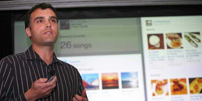 Carl Sjogreen, responsable produits de Facebook, présente les nouvelles applications du