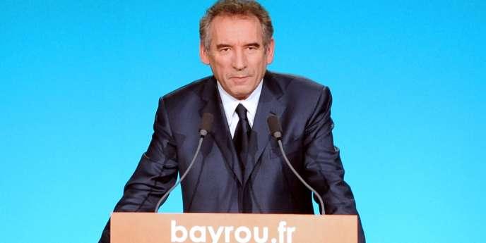 François Bayrou (ici, à Dunkerque, le 19 janvier 2012) a trouvé sa formule pour marquer son