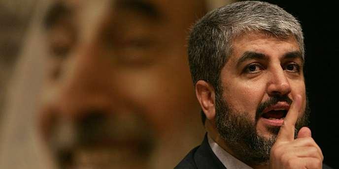 Khaled Mechaal, chef du bureau politique en exil du Hamas, lors d'une conférence de presse à Beyrouth, le 17 août 2005.