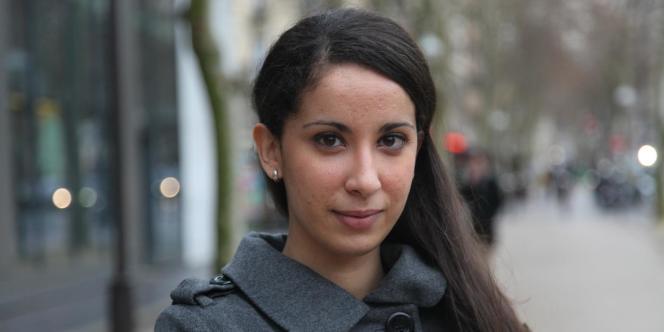 Lina Rizou, 24 ans, est venue d'Algérie en 2009 pour poursuivre ses études d'ingénieur informatique. Elle voudrait avoir sa première expérience professionnelle en France.
