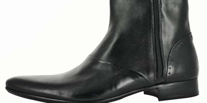 AzzaroLes bottines. En cuir, -zippées, 205 €, Azzaro. Tél. : 01-49-2938-02.