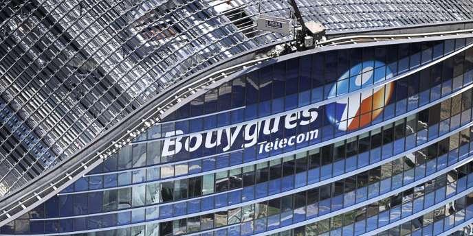 Bouygues a revu ses prévisions de résultats annuels à la baisse en raison de l'abaissement des objectifs de sa filière de télécommunications.