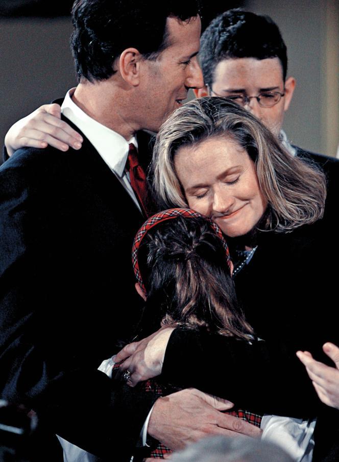 Rick Santorum, Ret sa femme Karen avec leurs enfants Sarah et John.