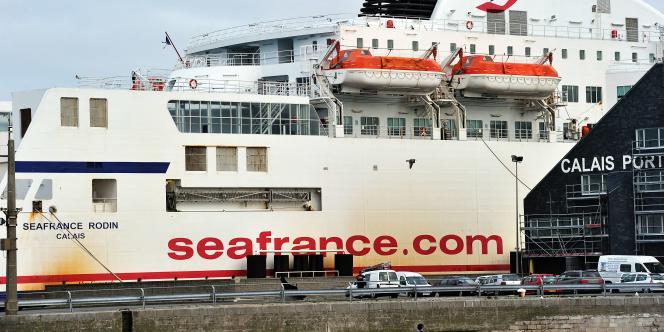 Un navire de SeaFrance, à Calais, le 9 janvier.