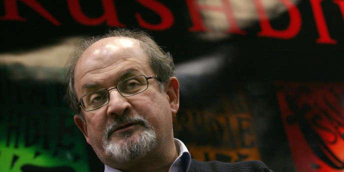 L'écrivain Salman Rushdie à Budapest en novembre 2007.