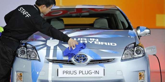 Une Toyota Hybrid Prius au salon automobile de Shanghaï, le avril 2011.