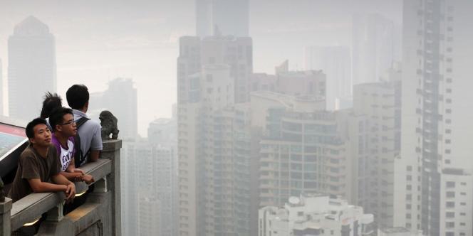 Selon les statistiques du département de médecine de l'université de Hongkong, 3 200 morts par an sont attribuables à la pollution atmosphérique.