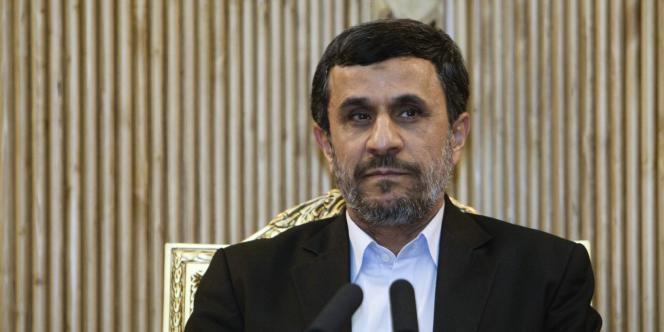 Mahmoud Ahmadinejad lors de la présidentielle de 2009, à Téhéran.