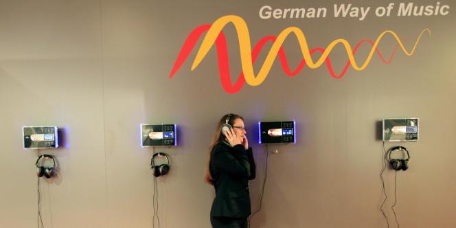 En 2011, le marché du disque a encore enregistré une baisse en Europe. La majorité des albums sont téléchargés sur Internet.