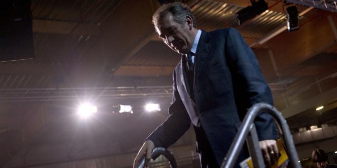 François Bayrou après son discours au congrès de France Nature Environnement, le 28 janvier 2012.