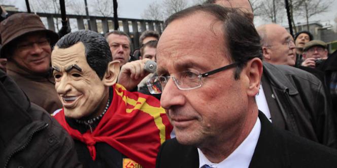 François Hollande, lors d'une rencontre avec les salariés de la Sobrena, entreprise de construction navale en difficulté, le 30 janvier à Brest.