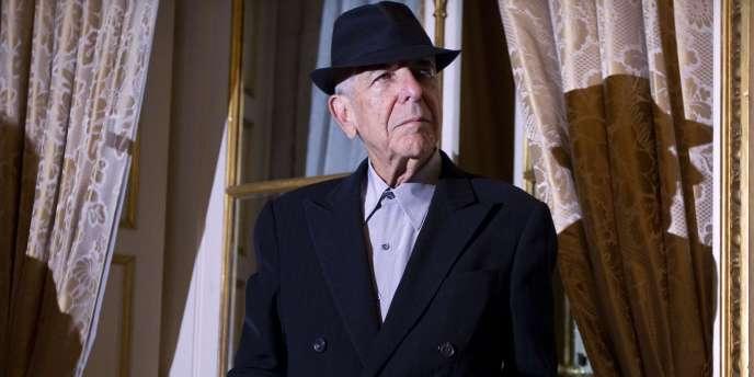 Le chanteur Leonard Cohen à Paris, le 16 janvier 2012.