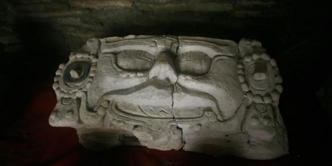 Le calendrier maya, qui court sur 5 125 ans, s'achève le 21 décembre. Pour certains, c'est le signe qu'à cette date s'achèvera aussi l'histoire de la Terre.