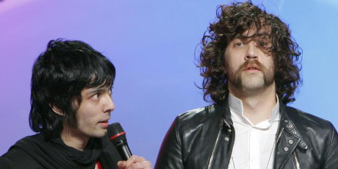 Le duo Xavier de Rosnay (à gauche) et Gaspard Augé, alias Justice, lors des 23es Victoires de la Musique à Paris en mars 2008.