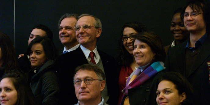 Axel Kahn, Isabelle Giordano ou Christine Lazerges, professeur de droit à Paris I parrainnent des étudiants étrangers à l'appel du collectif du 31 mai.