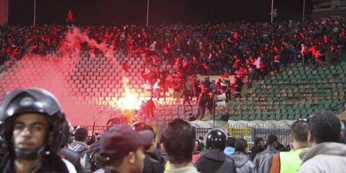 En février 2012, 74 personnes avaient péri lors d'émeutes déclenchées à la fin d'une rencontre de football entre l'équipe cairote d'Al Ahly et la sélection Al Masry de Port-Saïd.