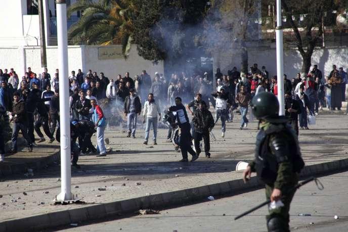 Affrontements entre jeunes Algériens et forces de l'ordre, le 31 janvier.