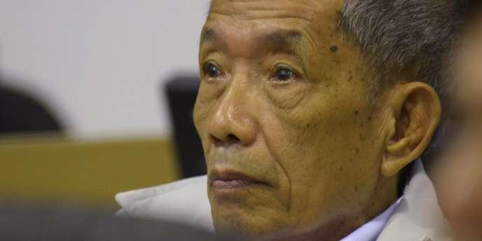 Douch, le tortionnaire khmer rouge, le 3 février 2012, dans l'attente du verdict de son procès en appel, au Cambodge.