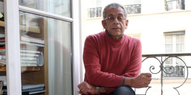 Chef de file du cinéma égyptien, Yousry Nasrallah termine une fiction sur les révoltes et les événements qui ont suivi.