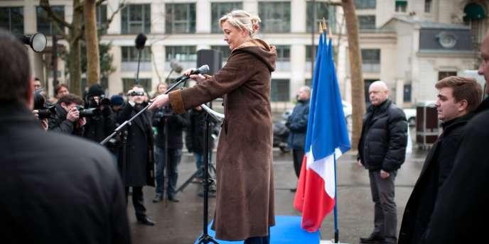 Marine Le Pen, devant le Conseil économique, social et environnemental, à Paris, lundi 13 février.