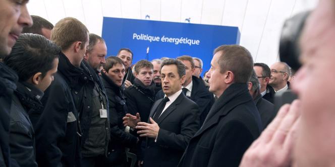 Nicolas Sarkozy visite le site nucléaire de Fessenheim (Haut-Rhin), jeudi 9 février 2012.