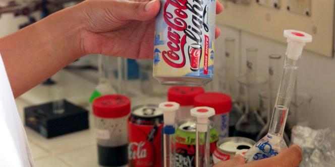 L'aspartame est présent dans de nombreux aliments et médicaments.