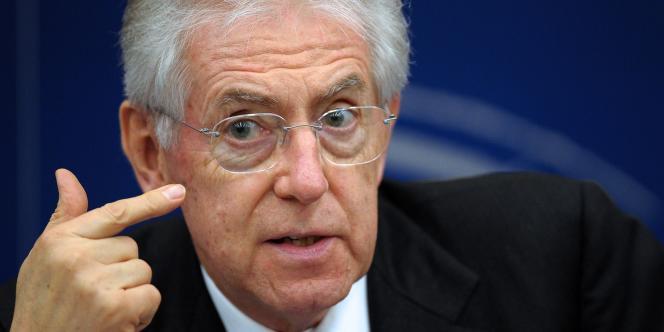 La cession d'une partie du patrimoine public, et en particulier de biens immobiliers ou de sociétés locales de services publics, est une volonté du gouvernement Monti depuis son arrivée au pouvoir fin 2011.