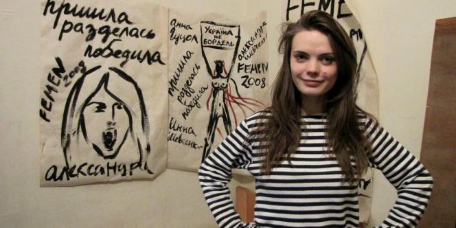 Oksana Chatchko, dans son atelier, le 16 février.