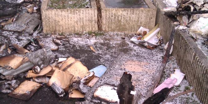 Ce qu'il reste des archives médicales après l'incendie
