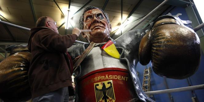 Un mannequin représentant Christian Wulff, à Mainz, le 17 février 2012.