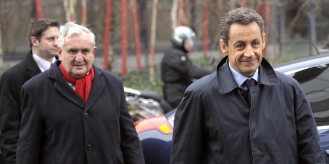 Jean-Pierre Raffarin et Nicolas Sarkozy, le 5 janvier 2012, à  Chasseneuil-du-Poitou.