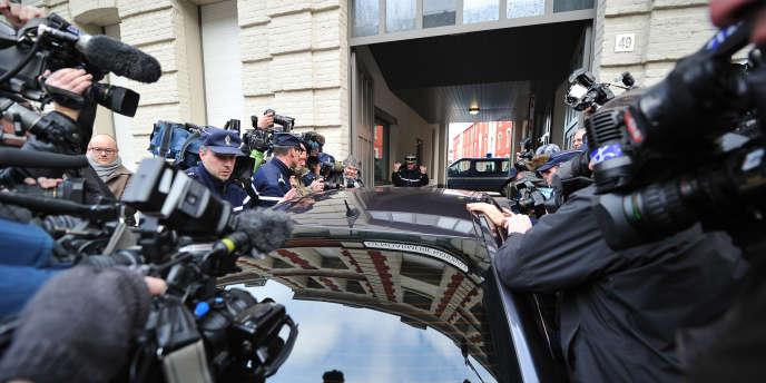 Arrivée de DSK à Lille, le 21 février 2012.