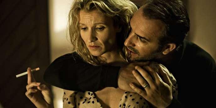 Alexandra Lamy et Jean Dujardin dans le film collectif français,