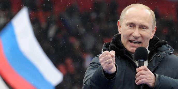 Cette manifestation fait figure de réponse aux rassemblements d'opposition qui ont lieu régulièrement à Moscou depuis les élections législatives de décembre, marquées par des fraudes.