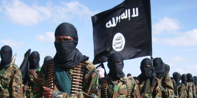 Des combattants islamistes somaliens d'Al-Shabab, en février 2012.
