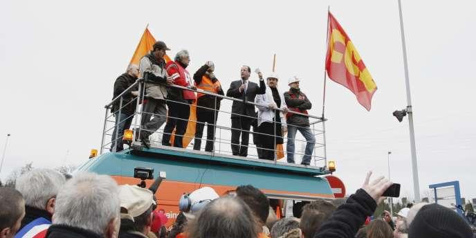 François Hollande à l'usine ArcelorMittal de Florange (Moselle), le 24 février.