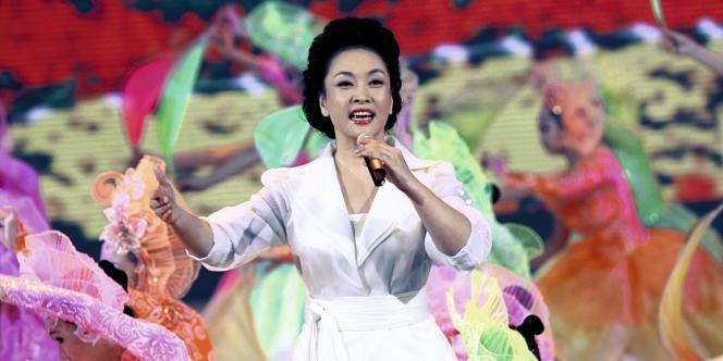 Peng Liyuan  en 2009 lors des célébrations organisées pour les 60 ans de la Chine populaire.